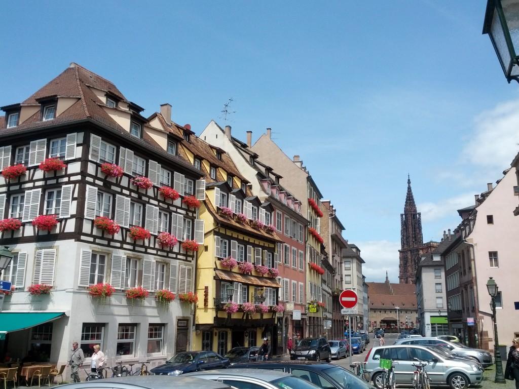 Vue sur la cathédrale de Strasbourg depuis les locaux d'Hakisa
