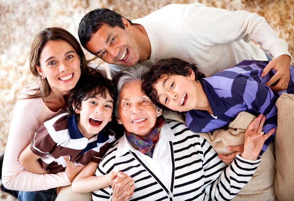 Photo de famille avec toutes les générations
