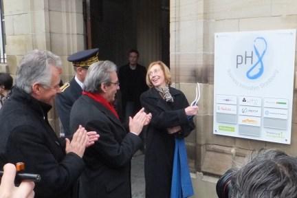 Nouvelle plaque du pH8 dévoilée par Mme la Ministre
