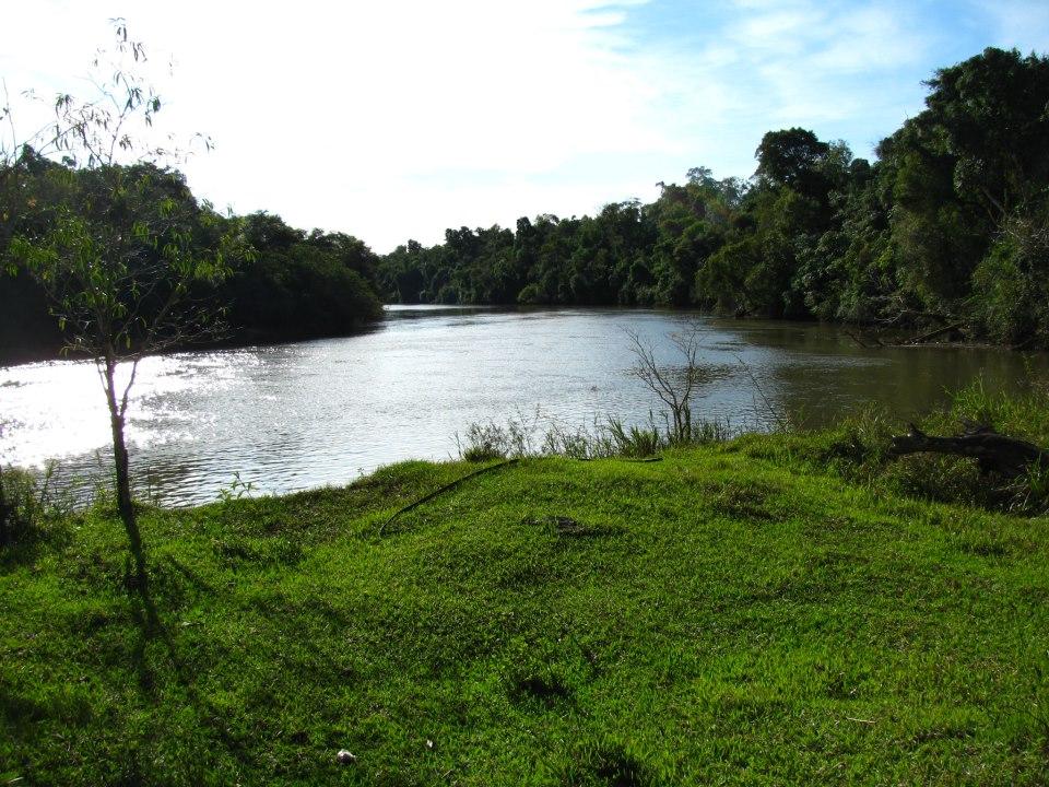 Rio Acaray, situé à 200 mètres de la maison de Germaine. L'endroit est paradisiaque et l'on comprend aisément la passion de Germaine pour la photographie.