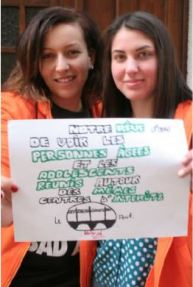 jeunes filles volontaires pour un partage intergénérationnel