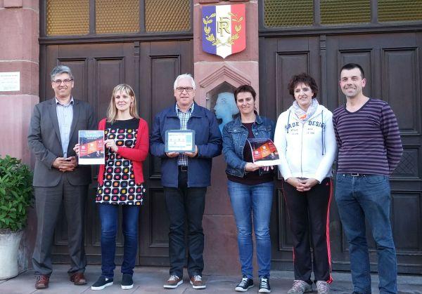 Maire de Soucht, l'équipe de la mairie de Socuht et Eric Gehl, cofondateur d'Hakisa