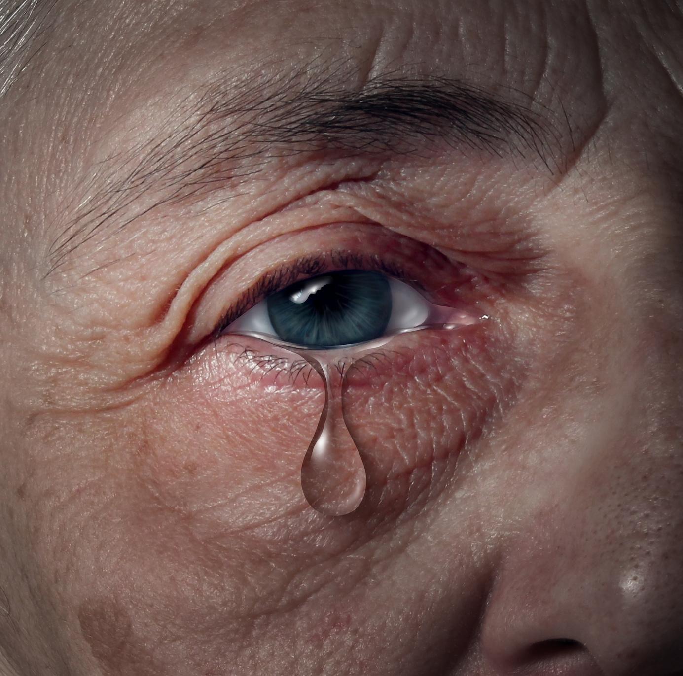 Solitude senior : tristesse, larme