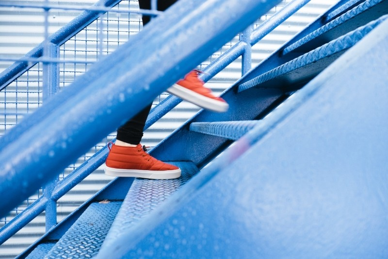 Simulateur de vieillissement : monter les escaliers